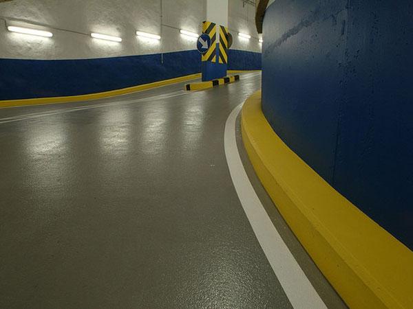 garage-vloercoating-op-hellingsbaan-600 Betoncoating