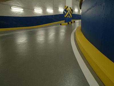 garage-vloercoating-op-hellingsbaan