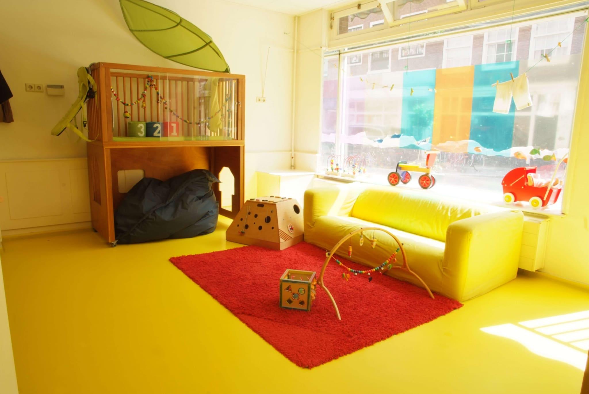 Kleurrijke gietvloeren - vloercoating of gietvloer combineren